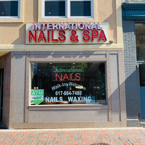 International Nails & Spa